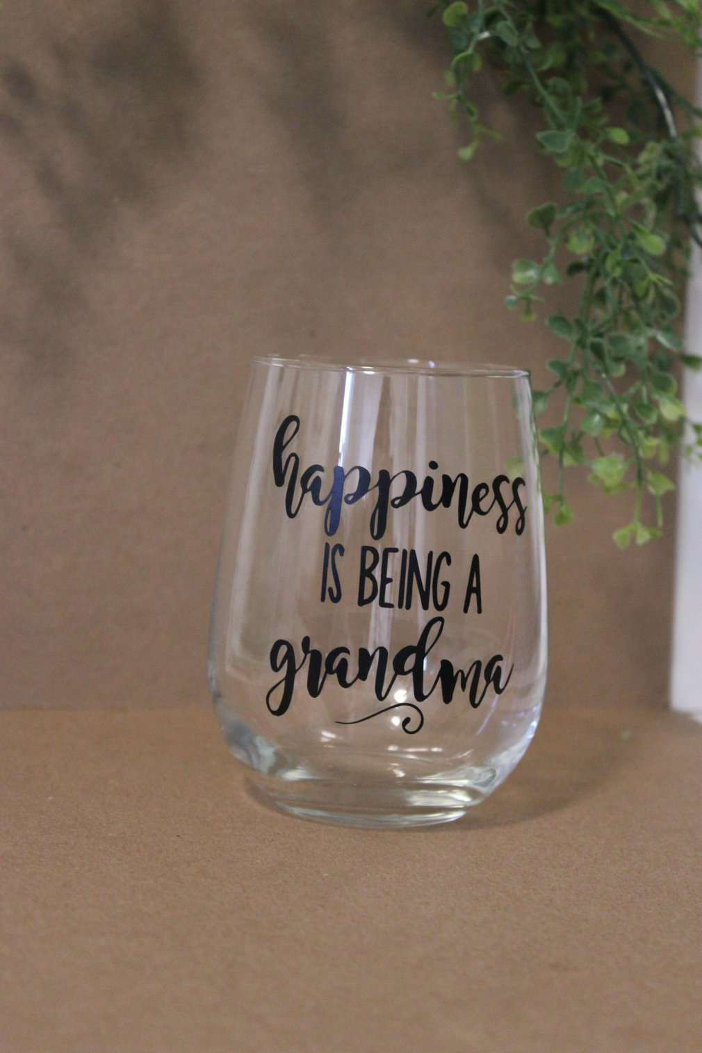 Wine Glass - Happiness is being a Grandma 00141