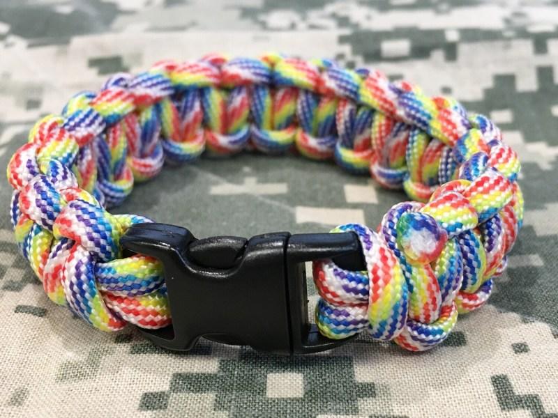 Paracord (survival) bracelet Multicolor (M)