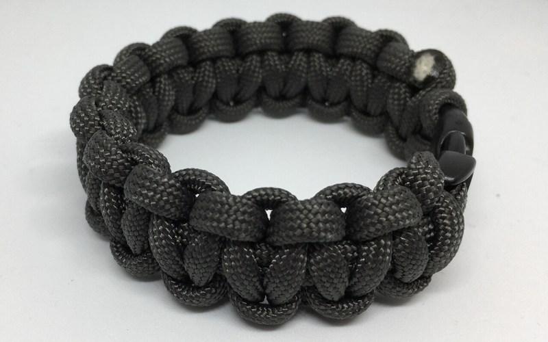Paracord (survival) bracelet Gray