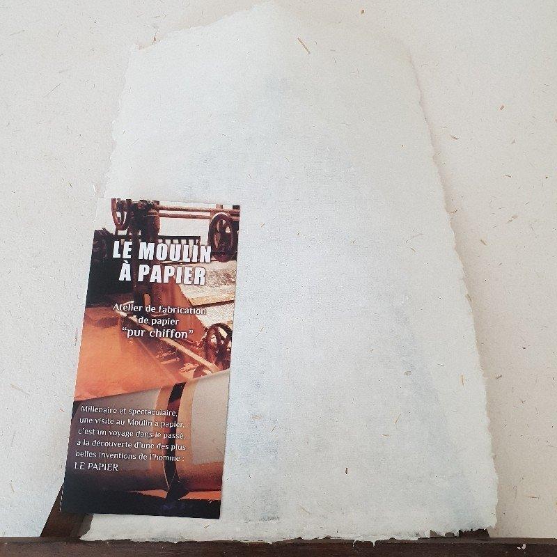 Feuille de papier vergé