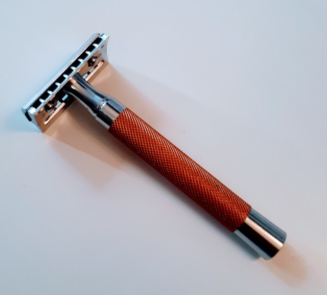 Tribute R41+ Open Comb Razor a Tribute to Muhle R41!