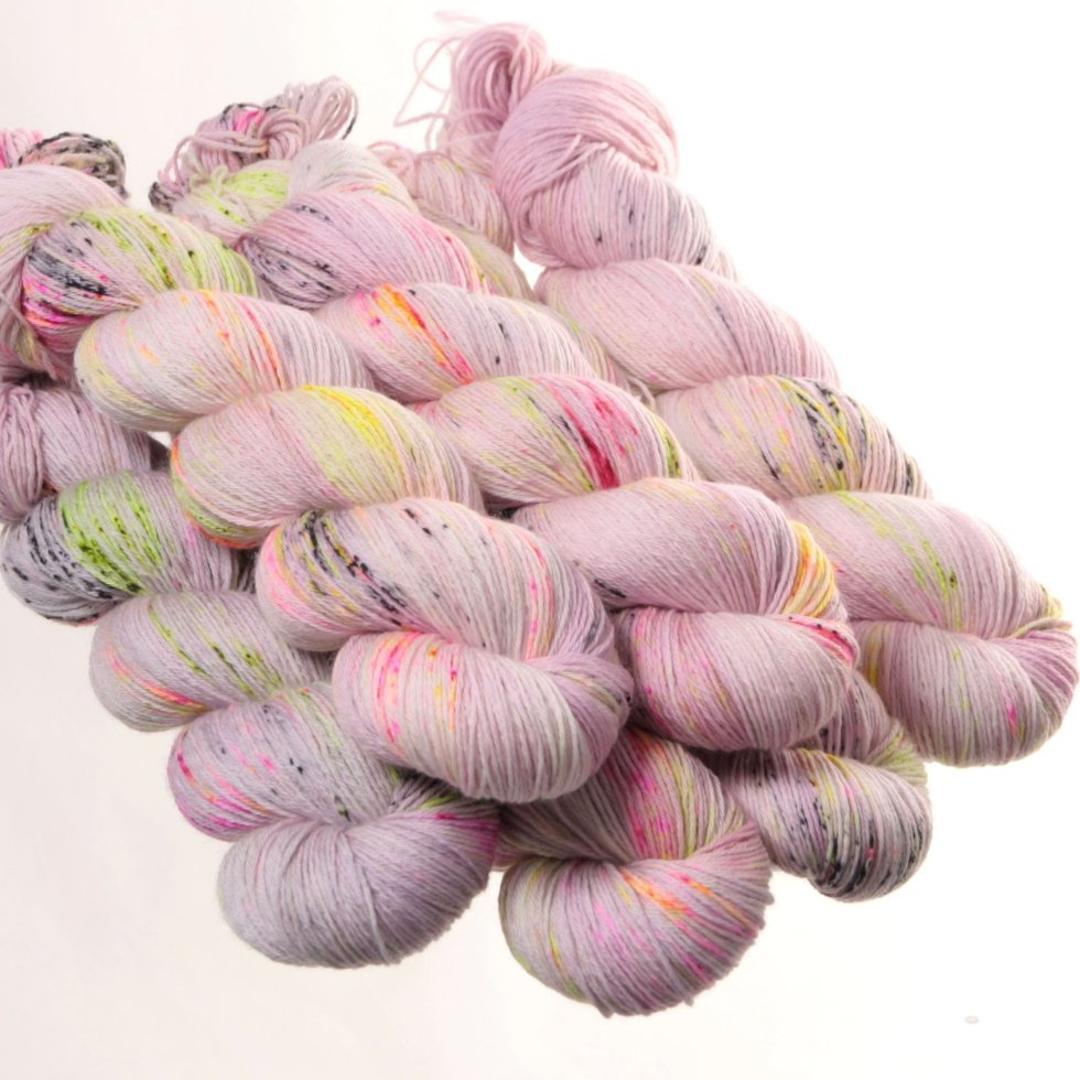 Hedgehog Fibres Kidsilk Lace in Daydream FDWKRY1WCS5E4
