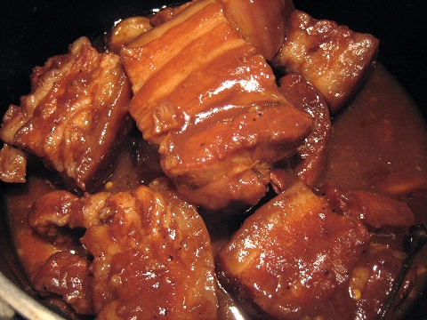 Pork Adobo meal with rice 00012