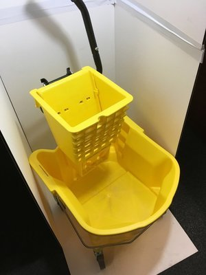 Mop Bucket & Wringer 26 Quart Yellow / Side Press