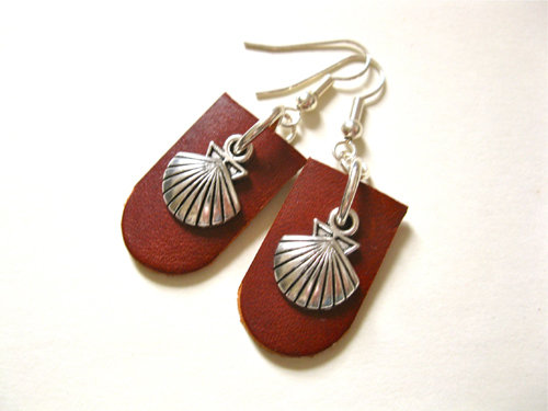 Dark tan leather Camino earrings