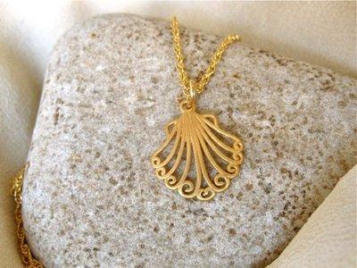 Camino de Santiago scallop shell necklace ~ gold-plated