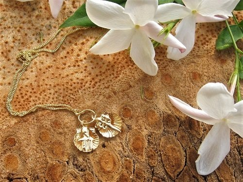 Camino de Santiago jewellery ~ double, 18ct gold scallop necklace 00884