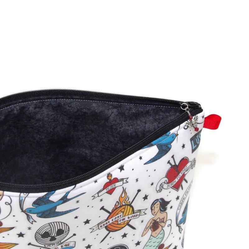 Knit Ink - Regular Wedge Bag