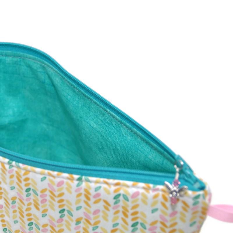 Knit Stitch in Peach - Regular Wedge