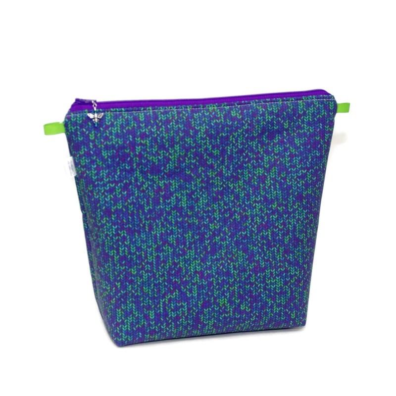 Knit Stitch in Purple - Tall Wedge