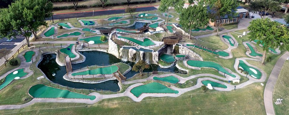 Round of Miniature golf for two 0008