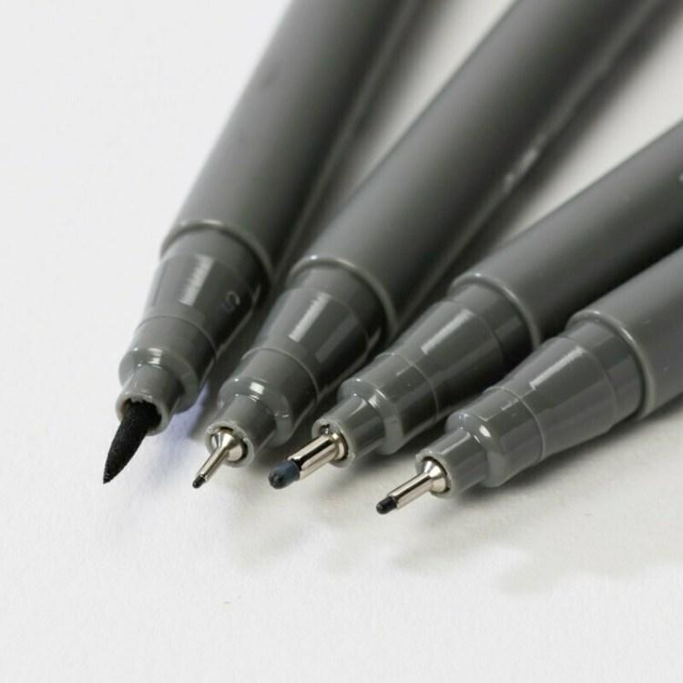 Lot de 4 stylos noirs