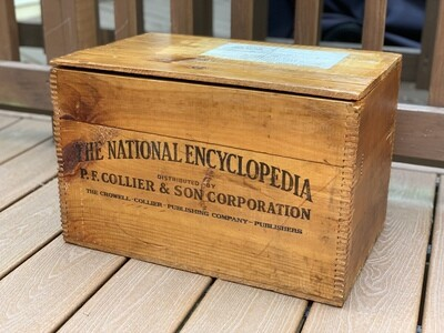 Vintage crate, vintage storage box, dovetailed box