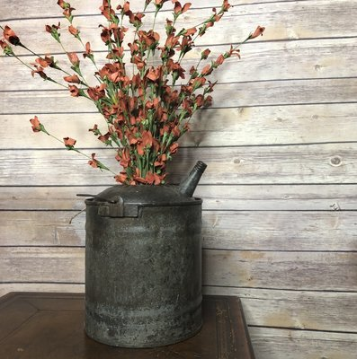 Vintage Oil Can, rusty can, metal can