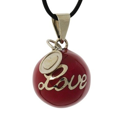 Bola red love