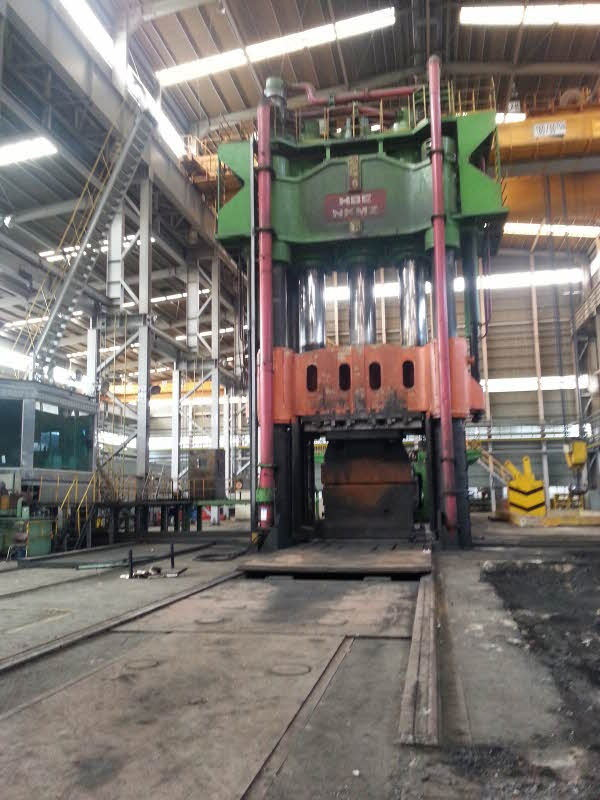 1 - USED 900 TON HBE HYDRAULIC OPEN DIE HOT FORGING PRESS WITH 120 TON MANIPULATOR