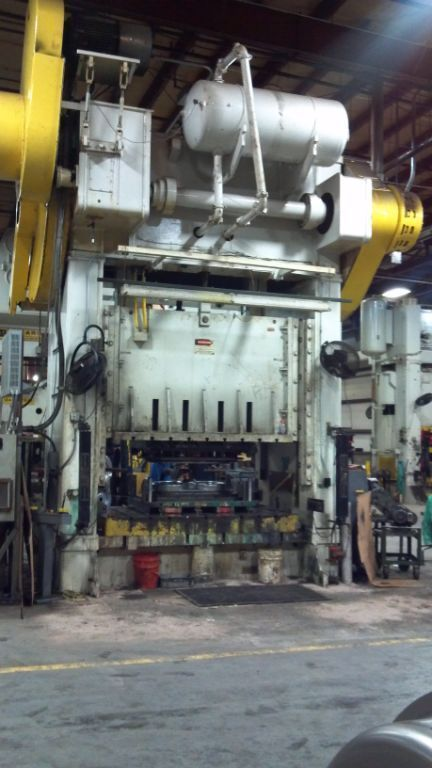 1 - USED 600 TON NIAGARA SSDC PRESS C-4333