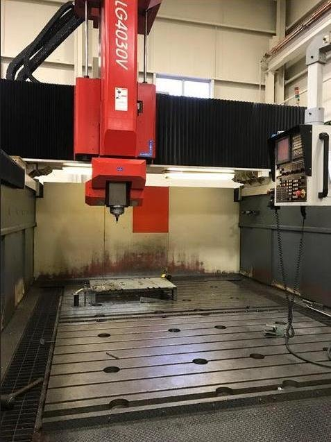 1 – USED AWEA LG-4030 GANTRY TYPE VERTICAL MACHINING CENTER  WITH 3 PLUS 2 SPINDLE HEAD