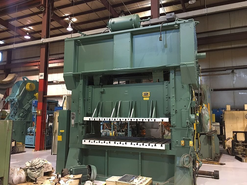1 – USED 300 TON MINSTER HEVISTAMPER STRAIGHT SIDE MECHANICAL PRESS C-5528