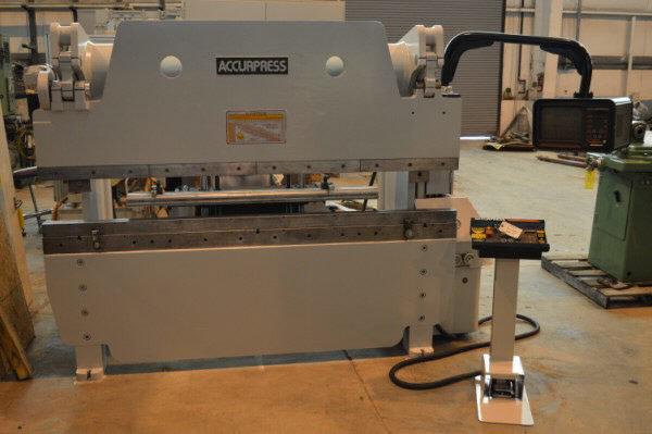1 – USED 100 TON X 8' ACCURPRESS CNC HYDRAULIC PRESS BRAKE C-5589