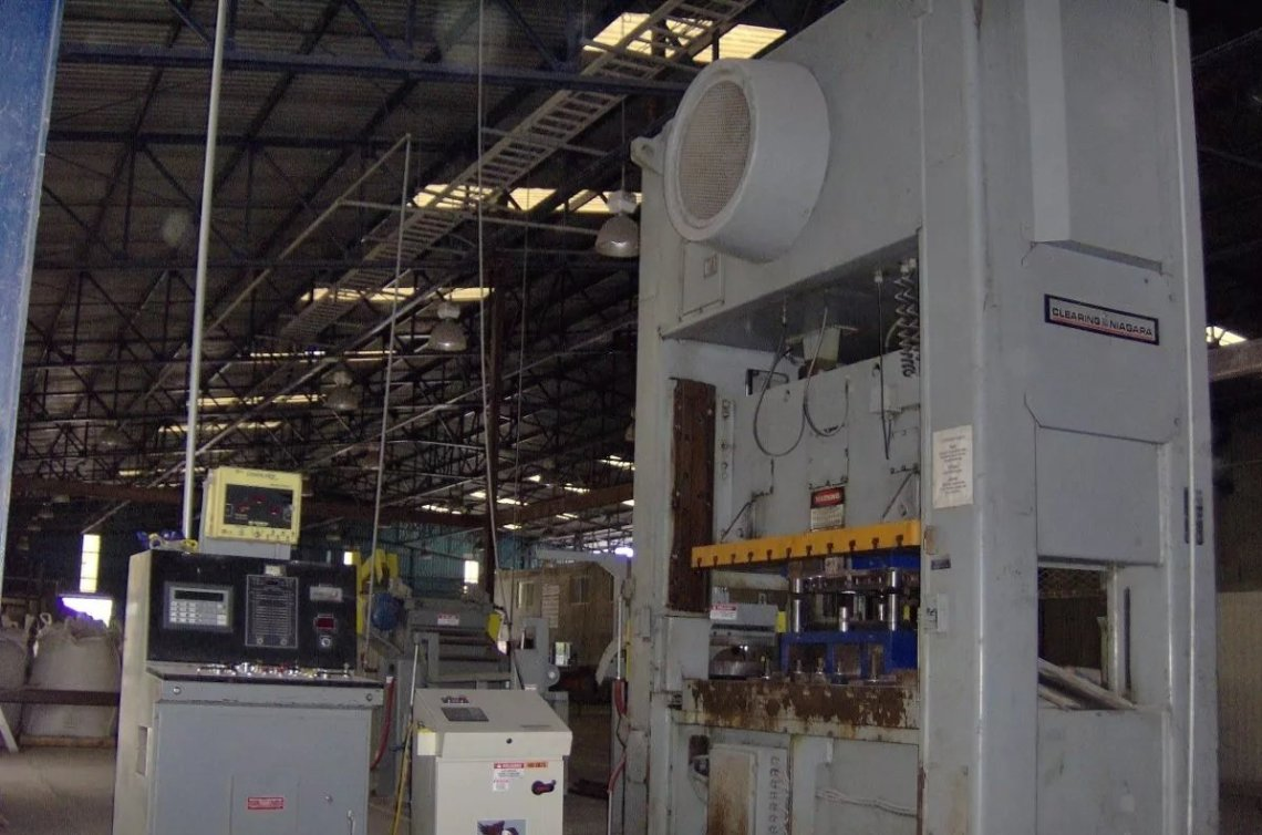 ​1 – USED 220 TON NIAGARA SSDE POWER PRESS
