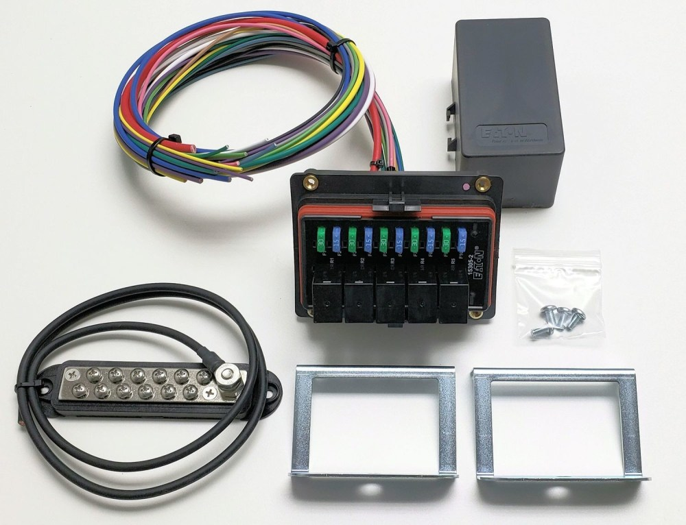 medium resolution of universal waterproof relay fuse distribution box cooper bussmann w ground block