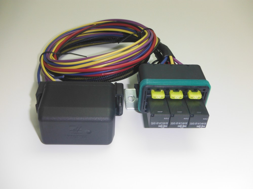 medium resolution of universal waterproof fuse relay box hwb18comp