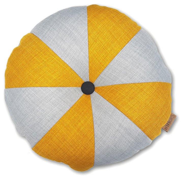 Rund pude med knap, lys grå/karry - LAGERSALG 9007