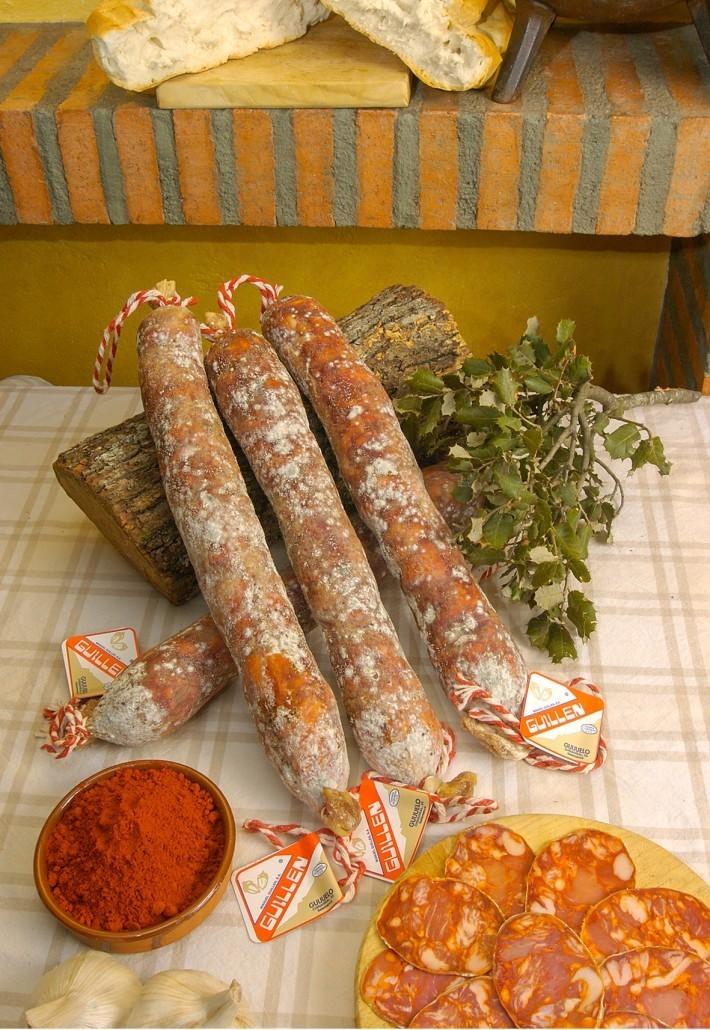 Chorizo Ibérico Cebo - Peso: 1 kg a 1,3 kg sin contar el embalaje GUILLEN-38