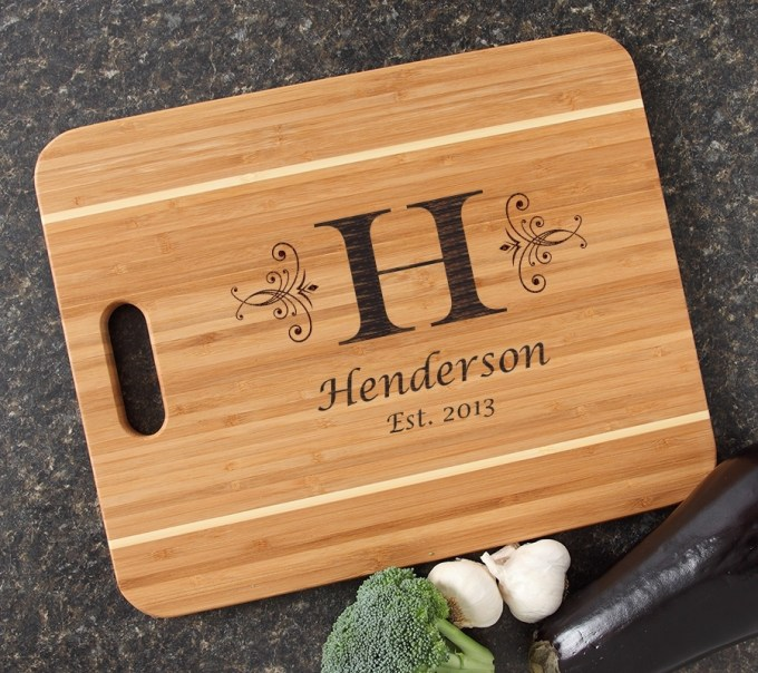 Personalized Cutting Board Engraved 15x12 Handle DESIGN 2 CBA-002