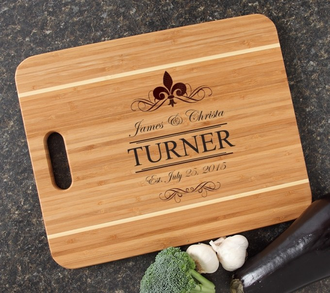 Personalized Cutting Board Engraved 15x12 Handle DESIGN 20 CBA-020