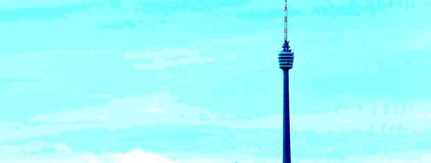 "alt=""Coaching München & Stuttgart: Dr. Berle. Foto vom Fernsehturm Stuttgart, blaustich"""