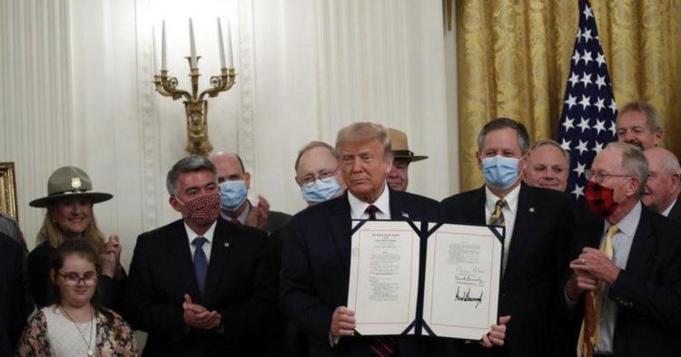 Cory Gardner Trump signs bipartisan conservation legislation
