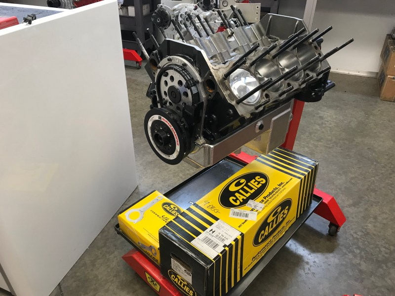 SDPC Raceshop engine on stand with callies crank