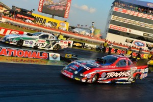 John Force (far lane) and Courtney Force