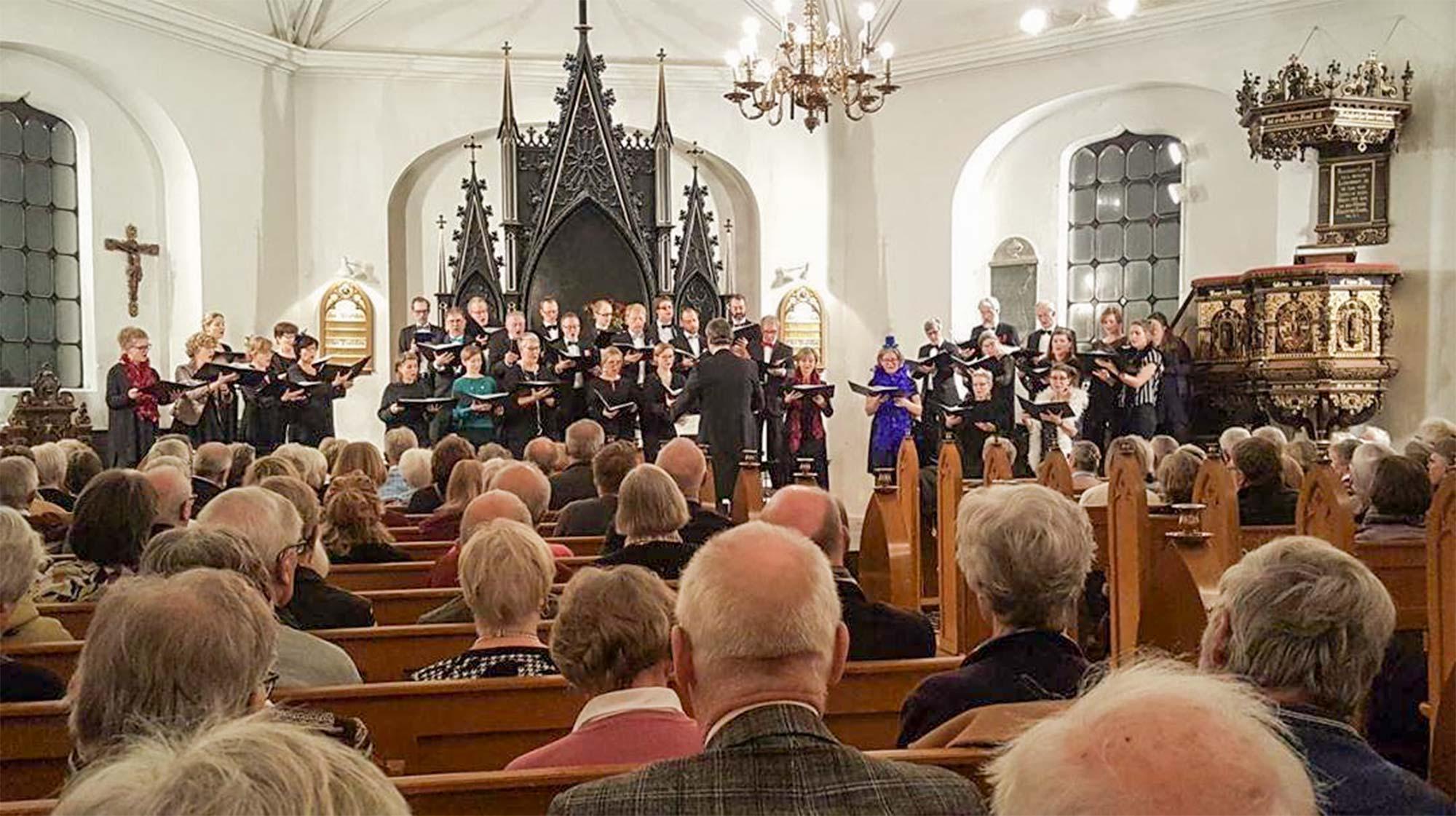 Københavns Kantatekor og solister ved sidste års nytårskoncert i Store Magleby Kirke. Foto: Oscar Andersen.