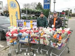 Lions Dragør samler mad ind til hjemløse.