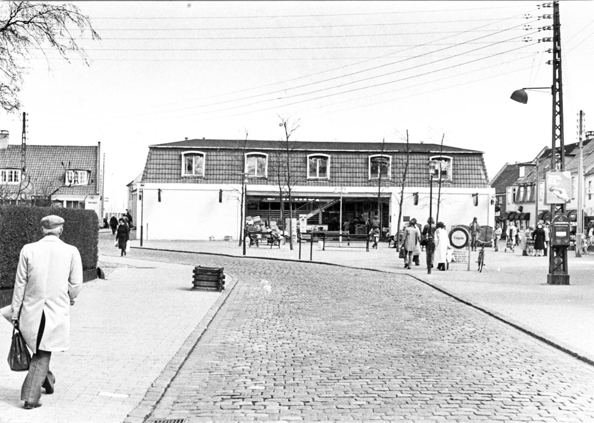 Neels Torv med Irma. 1981. Foto: Historisk Arkiv Dragør.