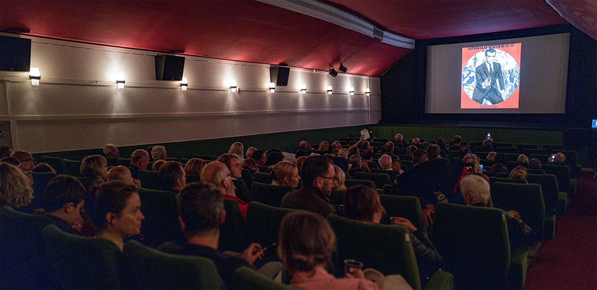 Der blev Bond-quizzet i biografsalen. Foto: TorbenStender.