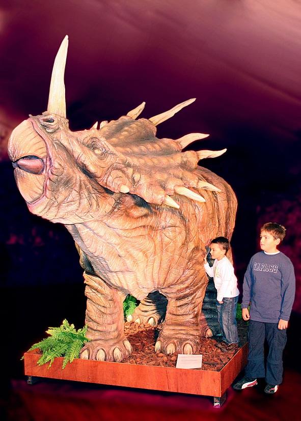 tamano-completo-triceratops