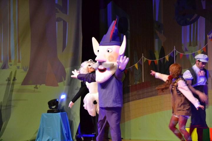 Ben y Holly Madrid con niños, dragones y unicornios