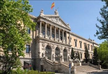 Biblioteca Nacional. Madrid con niños, dragones y unicornios.