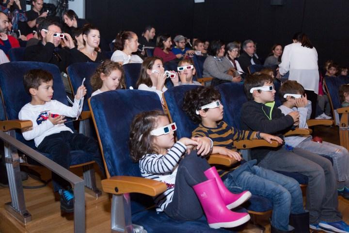 En la sala de cine. Madrid con niños, dragones y unicornios.