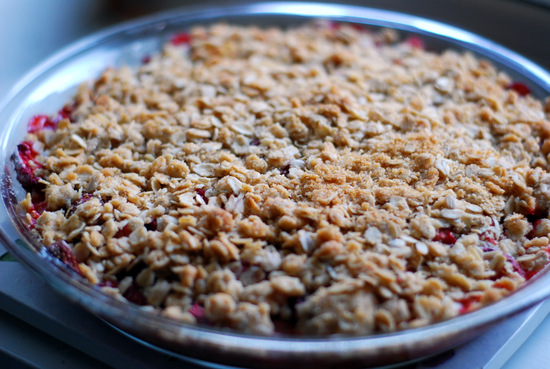 strawberry rhubarb crisp, baked
