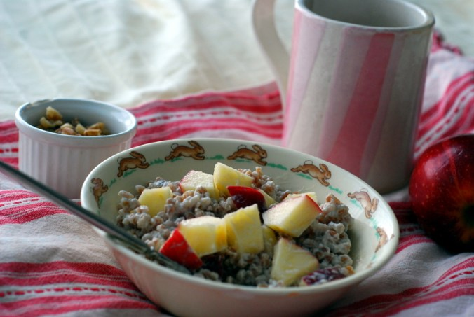 wheatberry breakfast bowl with mug 18