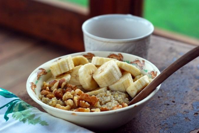 banana quinoa breakfast bowl 6