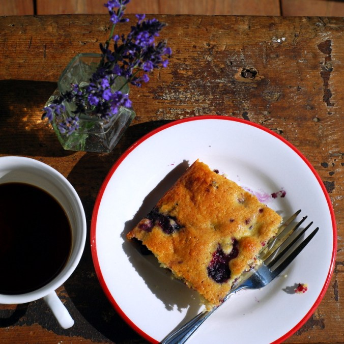 berry breakfast cake overhead