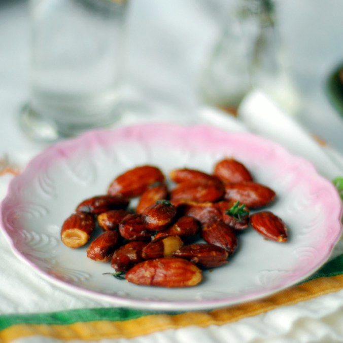 maple herb roasted almonds