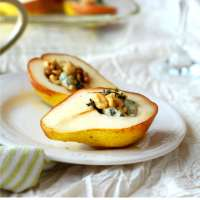 Baked Pears With Blue Cheese