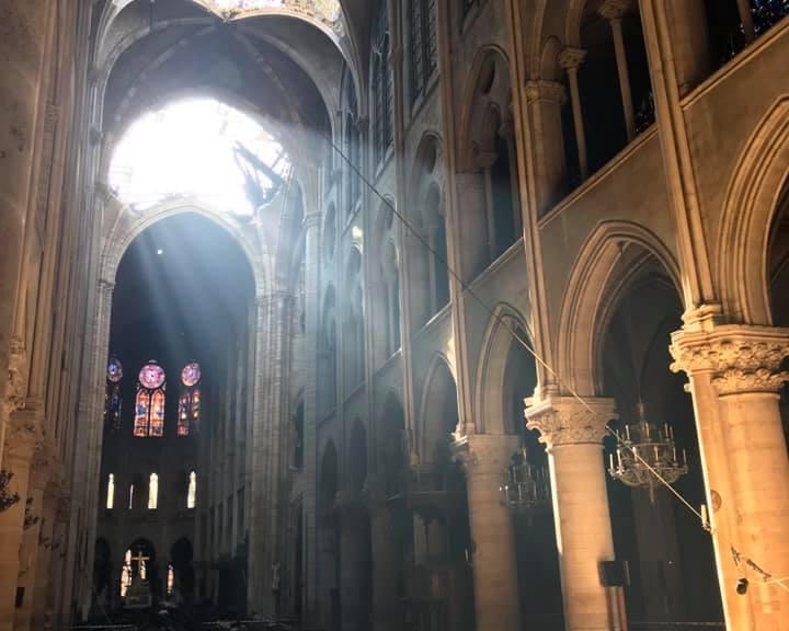 Notre_Dame_Easter_Morning_2019